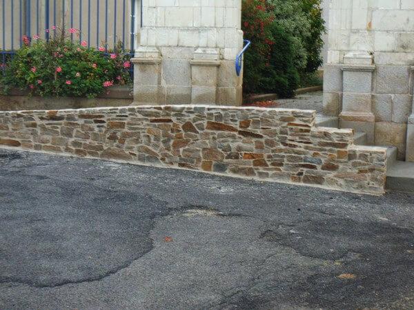Mur en pierres apparentes réalisé par Favreau Didier à Chaumes en Retz